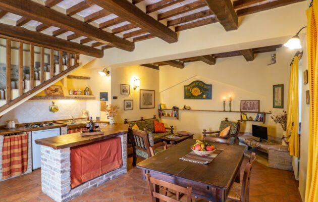 Agriturismo-in-Umbria-Le-Casacce-Trilocale-1